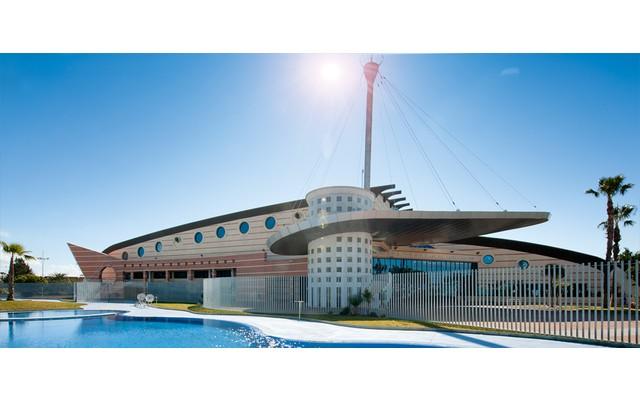 Муниципальный спортзал в Торревьехе