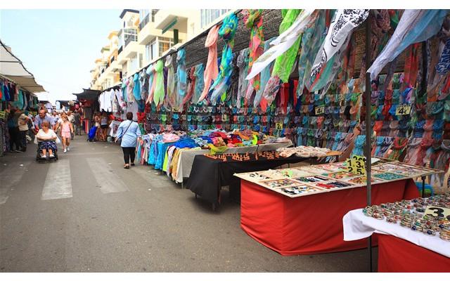 Торревьеха что посмотреть: сувенирный рынок в Торревьехе. Испания отдых 2018