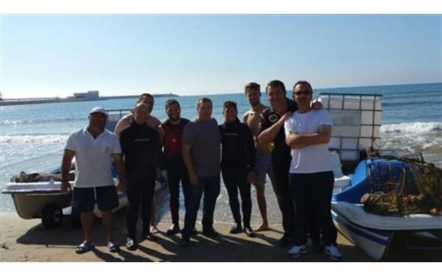 Волонтеры очистили морское дно