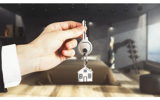 Как продать свой дом и продолжить в нем жить
