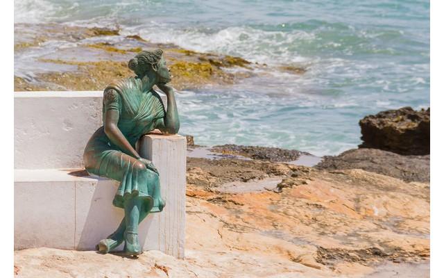 Что символизируют скульптуры на Paseo Maritimo?