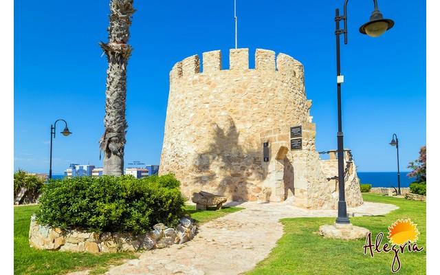 Главный символ Торревьехи — Torre del Moro
