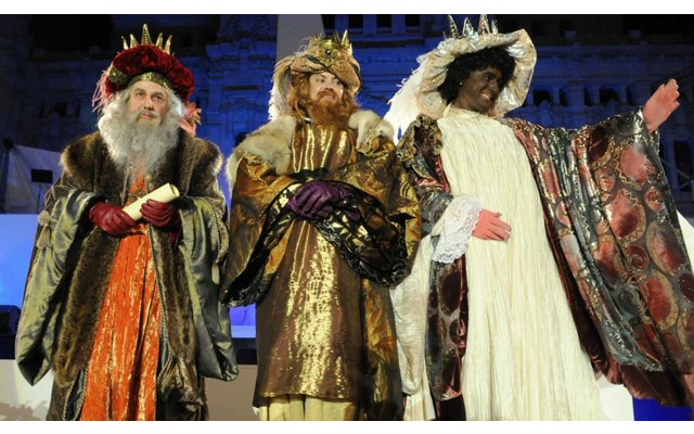 В четверг в Торревьеху приплывут Три Короля. Новые правила раздачи подарков!