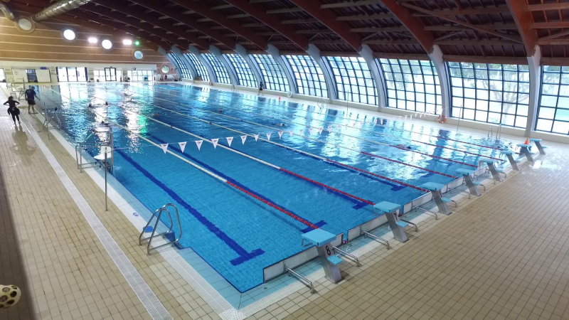 В Торревьхе начал работу крытый бассейн