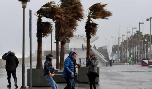 Испания встречает апрель снегопадами и дождями