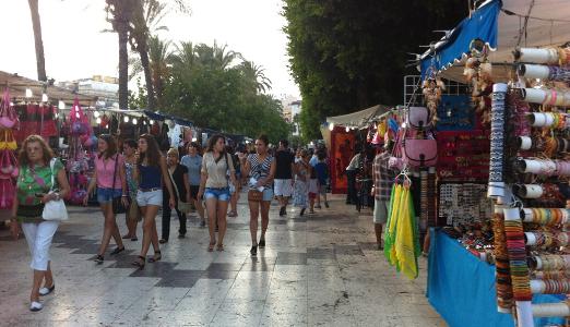 В Торревьехе вновь открывается «рынок хиппи»
