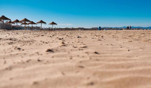 Городские власти Валенсии открыли пляжи раньше установленного срока