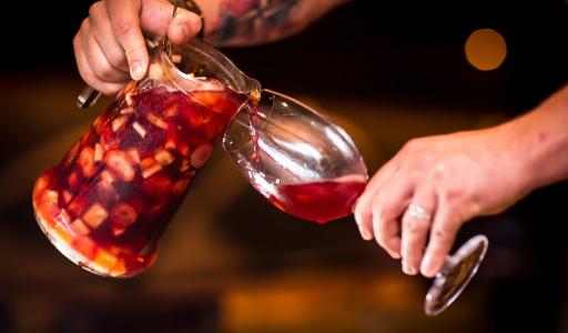Cамый необычный обычный напиток − история сангрии в Испании