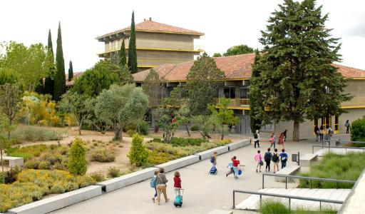Жилье вблизи лучших частных школ Испании подорожало на треть