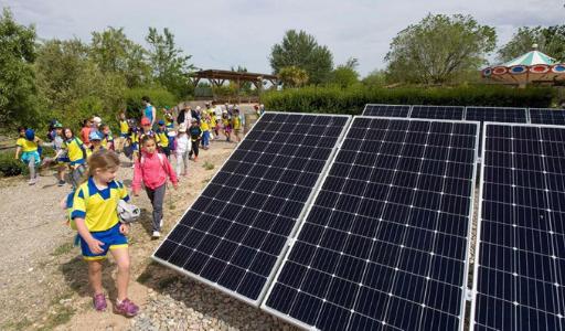 В школах Аликанте установят солнечные батареи