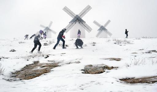 Шторма, снегопады и рекордно низкие температуры: Испанию накрыл циклон «Филомена»