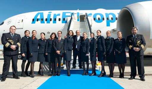 Авиакомпании открыли Новый год в Испании масштабными скидками