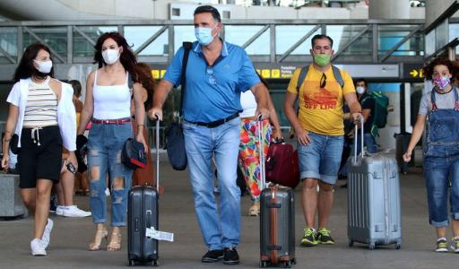Британцы стали покупать больше авиабилетов в Испанию