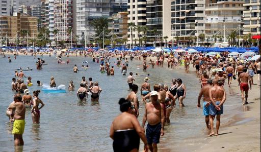 С увеличением числа британских туристов в Бенидорме открылись почти все отели